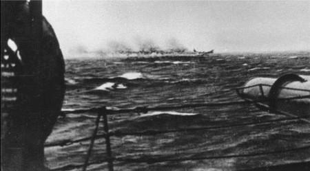 Battleship_Bismarck_sinking.jpg
