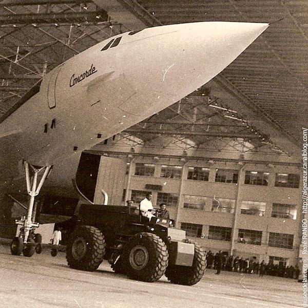 concorde-40-ans-sortie-hangar_03.jpg