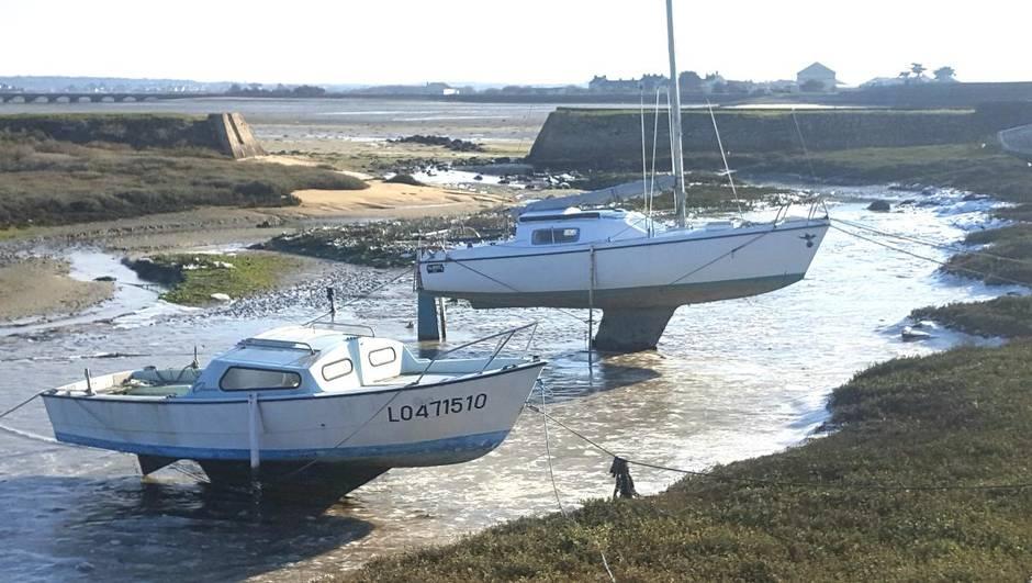 des-bateaux-pris-dans-la-glace-en-bretagne.jpg