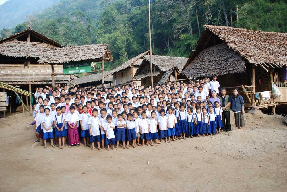 1-moses-italy-school-karen-jungle-u-way-klo-saccaggi-baietti-children-idp-camp.jpg